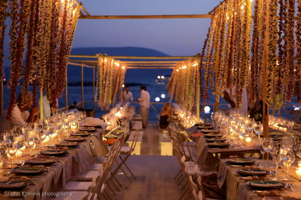 M&G Schoinousa wedding - Image 8