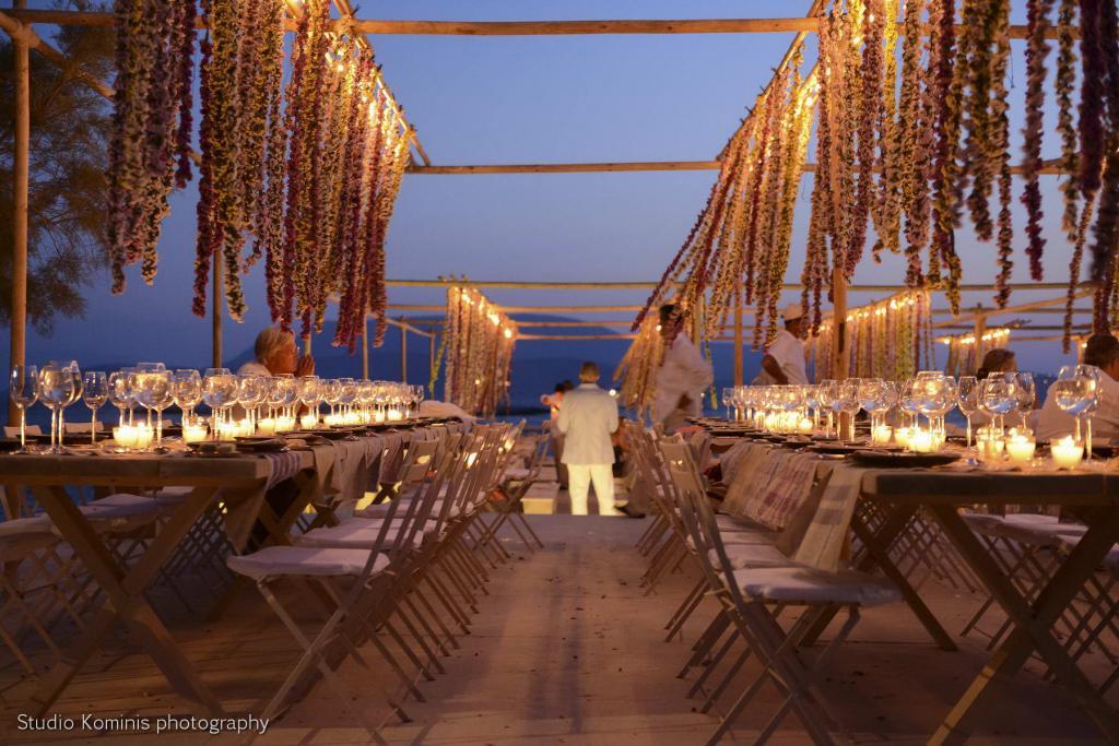 M&G Schoinousa wedding - Image 17