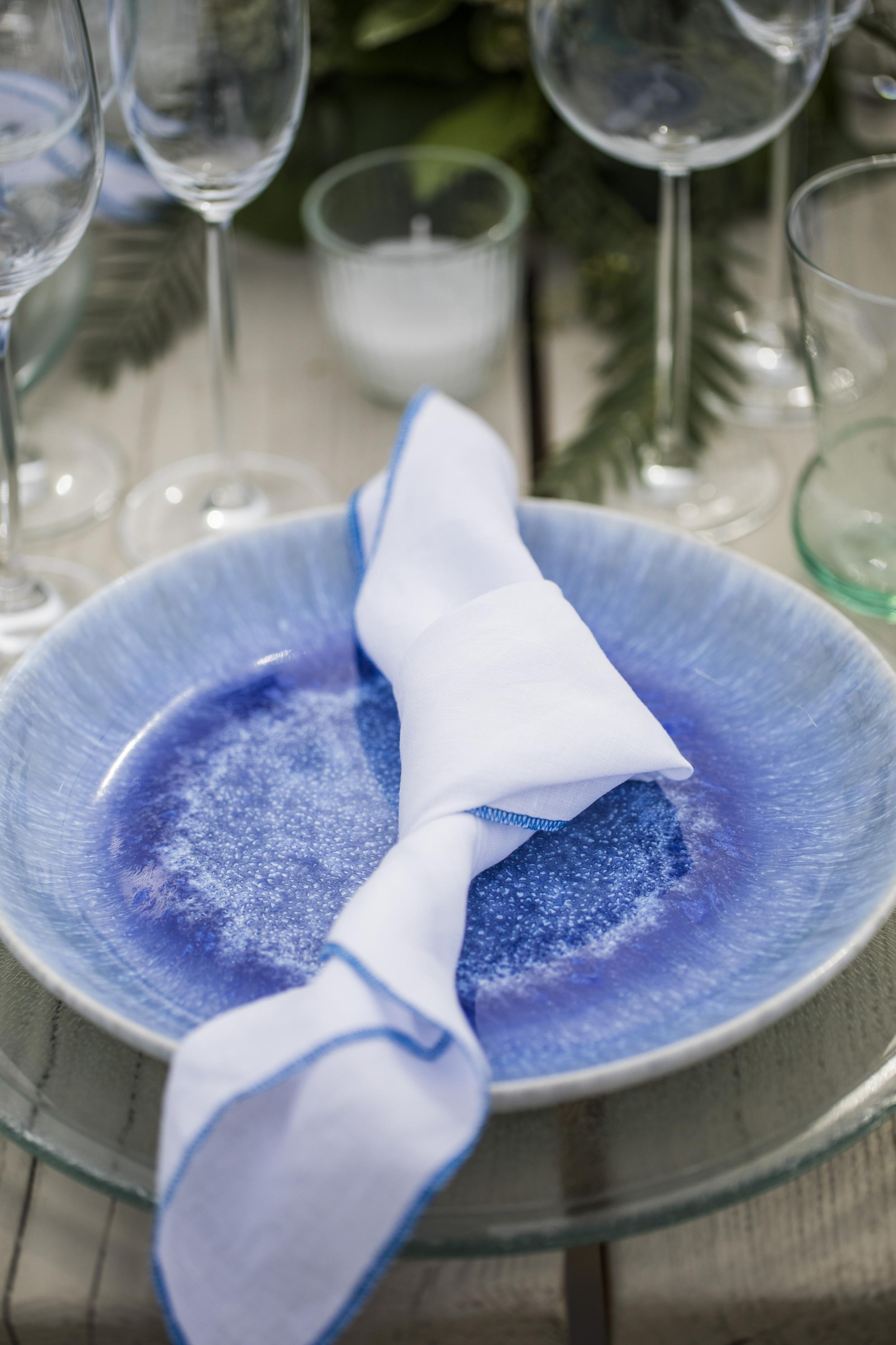 Blue plate set - Image 1